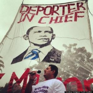 o-OBAMA-PROTESTS-CALIFORNIA-570
