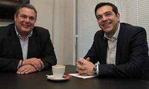 Alexis Tsipras (r) and Panos Kammenos (l), chairman of Independent Greeks party. Photo: Lefteris Pitarakis/AFP/Getty Images