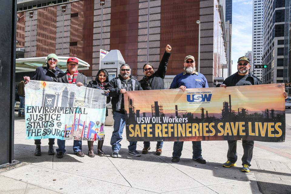 Safe Refineries Save Lives Rally on March 9th in Houston, TX (Photo: USW Oil Workers @ facebook.com [facebook/OilBargaining])