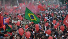 1903-brazil_crowd-smaller
